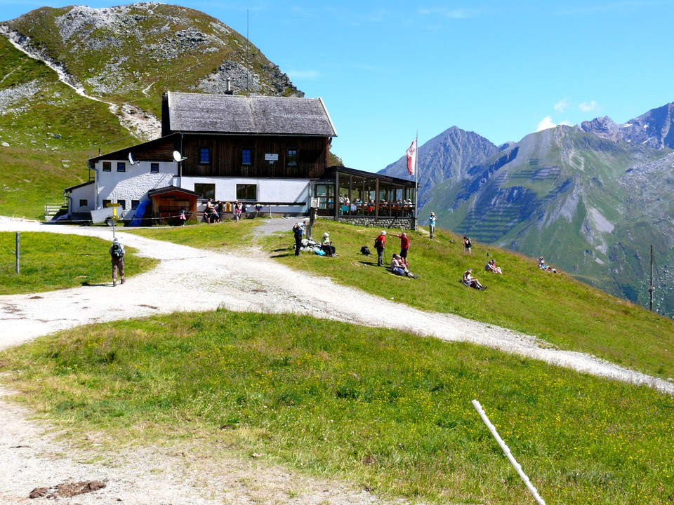 The path now drops down to the Toxer Joch Haus. Turn left here and down into Weitental. You can follow the track or follow a path down.