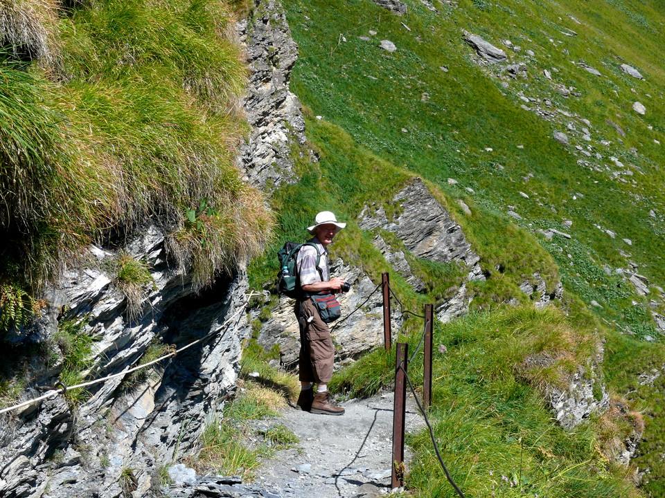 A short steep descent