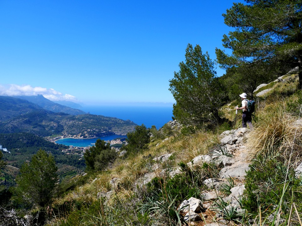 The path west with views down to Port Soller