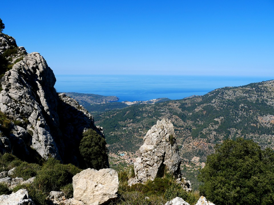 The view west to Soller