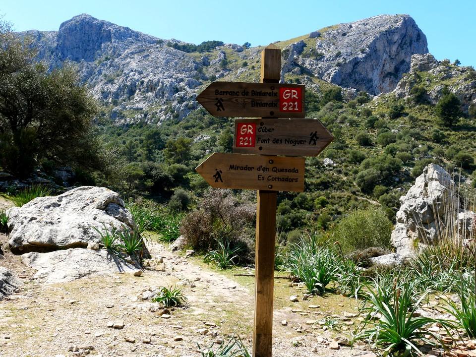 Stay on the GR 221 south for the Barranc de Biniaraix