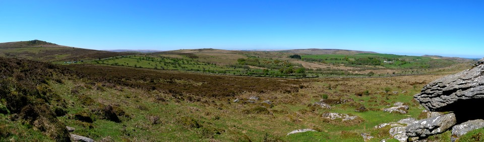 Dartmoor Panorama, looking at Emsworthy and Holwell from Saddle Tor