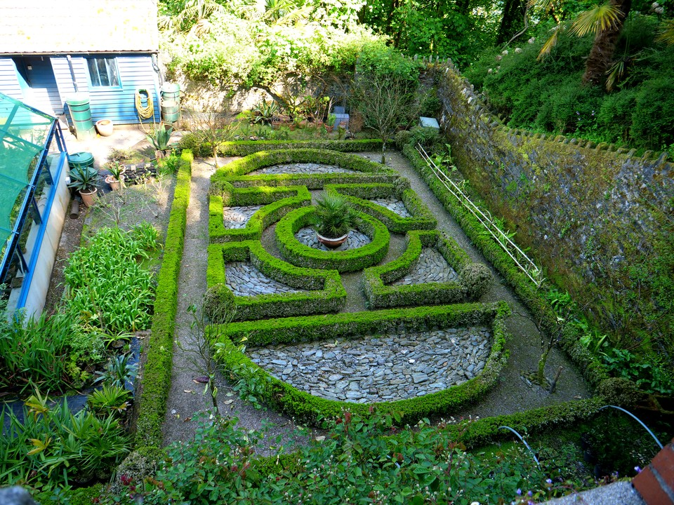 The lowest terrace has a knott garden, but designed to be viewed from above.
