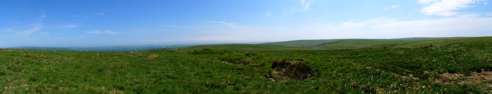 Dartmoor Panorama: The view Southeast from Snowdon