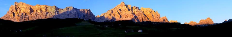 An evening view from Chalet Al Pigher