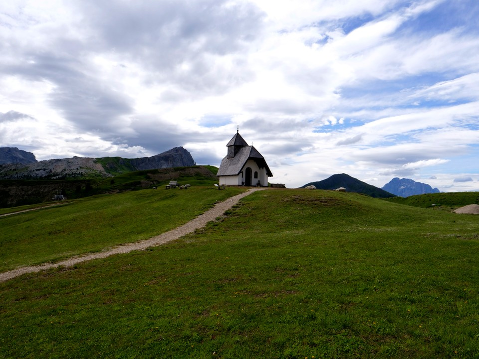 A little church on the hill at the Pralongia hut