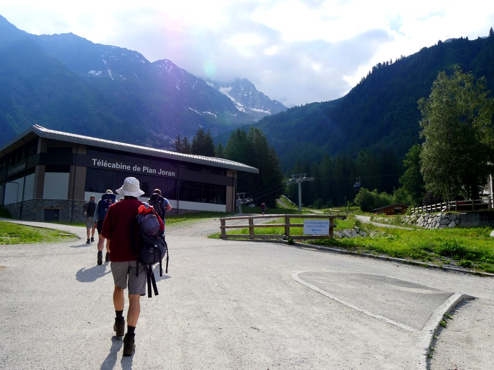 Took the bus up to the Gran Monets car park, and the Gran Monets gondola up to Plan Joran