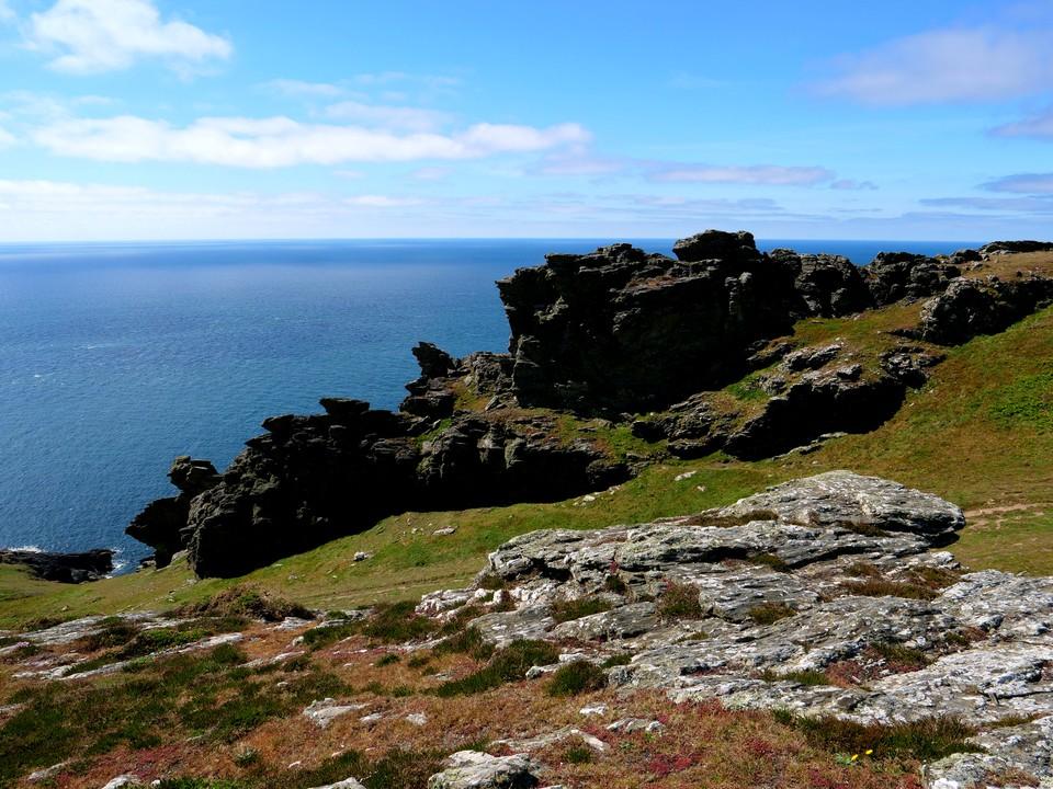 More rock formations near Bolt Head