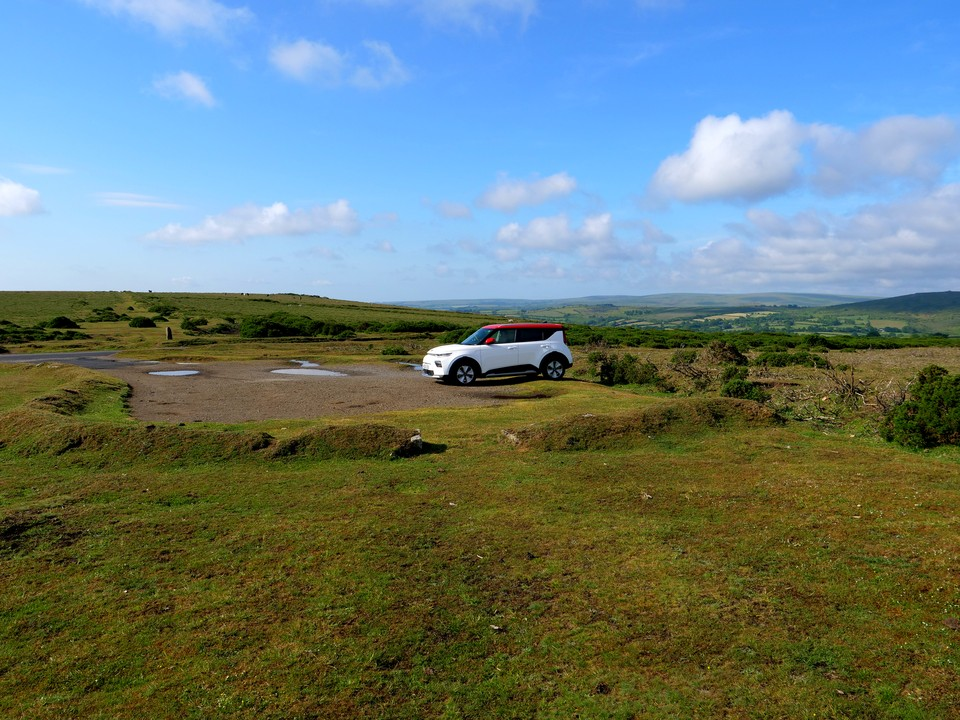 An early start, parking at two crosses on Dunstone Down, near Widdicombe