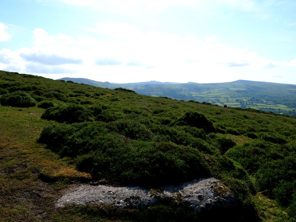 Good views to the east towards Haytor and Rippon Tor