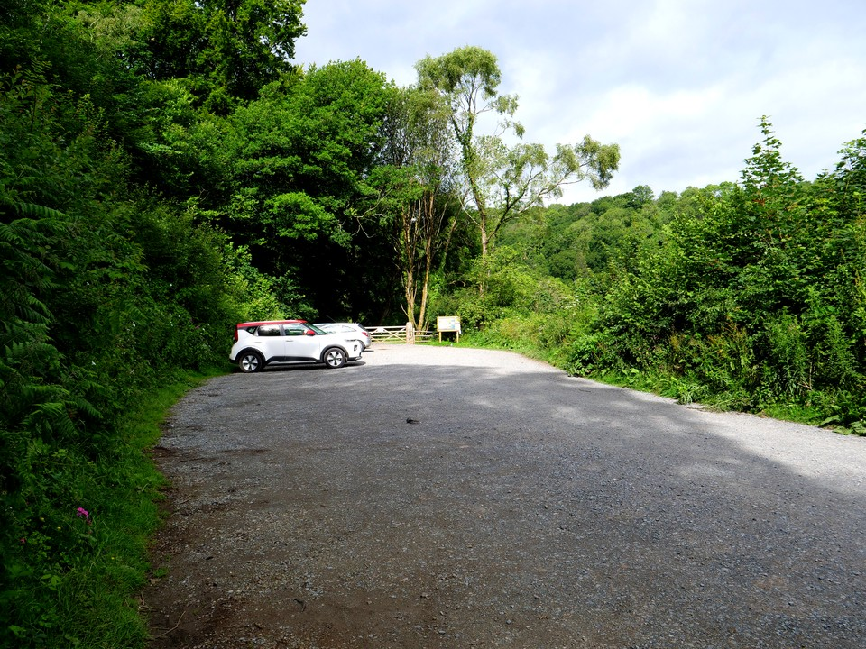 Starting from the Pullabrook Car Park at Drakeford Bridge, near Lustleigh