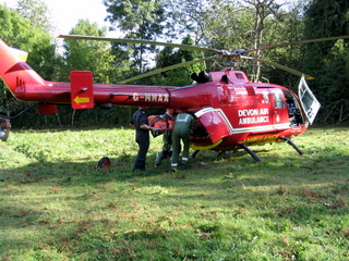 2003-09-24-15-06-04_accident-walk-005_devon-air-ambulance-rescue.jpg  devon air ambulance rescue