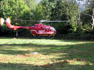 2003-09-24-15-10-07_accident-walk-008_devon-air-ambulance-rescue.jpg  devon air ambulance rescue