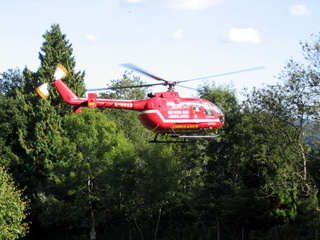 2003-09-24-15-10-13_accident-walk-009_devon-air-ambulance-rescue.jpg  devon air ambulance rescue