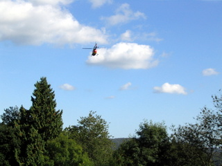 2003-09-24-15-10-36_accident-walk-012_devon-air-ambulance-rescue.jpg  devon air ambulance rescue