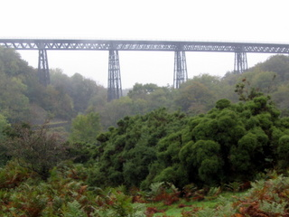 2005-10-12-12-08-26_dartmoor_oct_05-031_meldon-viaduct-black-tor-sourton-tors.jpg  Meldon Viaduct Black Tor Sourton Tors