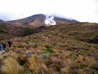 dh000107.jpg  Walking in New Zealand: Tongariro Crossing