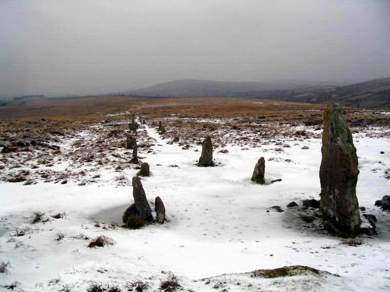 water_hill_stone_row water_hill_stone_row