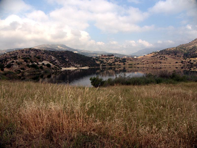 Germasogeia Dam, walking Cyprus  Germasogeia Dam Foinikaria Kyparissia Nature Trail Lemosos Forest Cyprus 2010-04-29