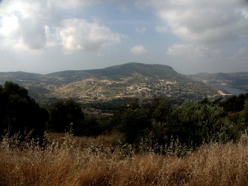 Mountain views, Germasogeia Dam Foinikaria Kyparissia Nature Trail Lemosos Forest Cyprus  Germasogeia Dam Foinikaria Kyparissia Nature Trail Lemosos Forest Cyprus 2010-04-29