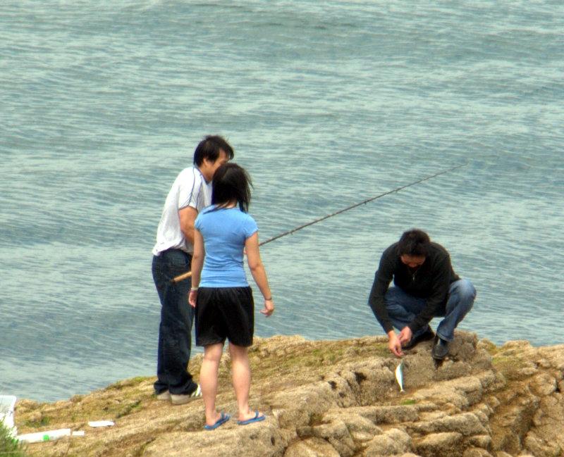 Catching a fish, Hopes Nose.  Torbay Oddicombe Hopes Nose 2010-05-31