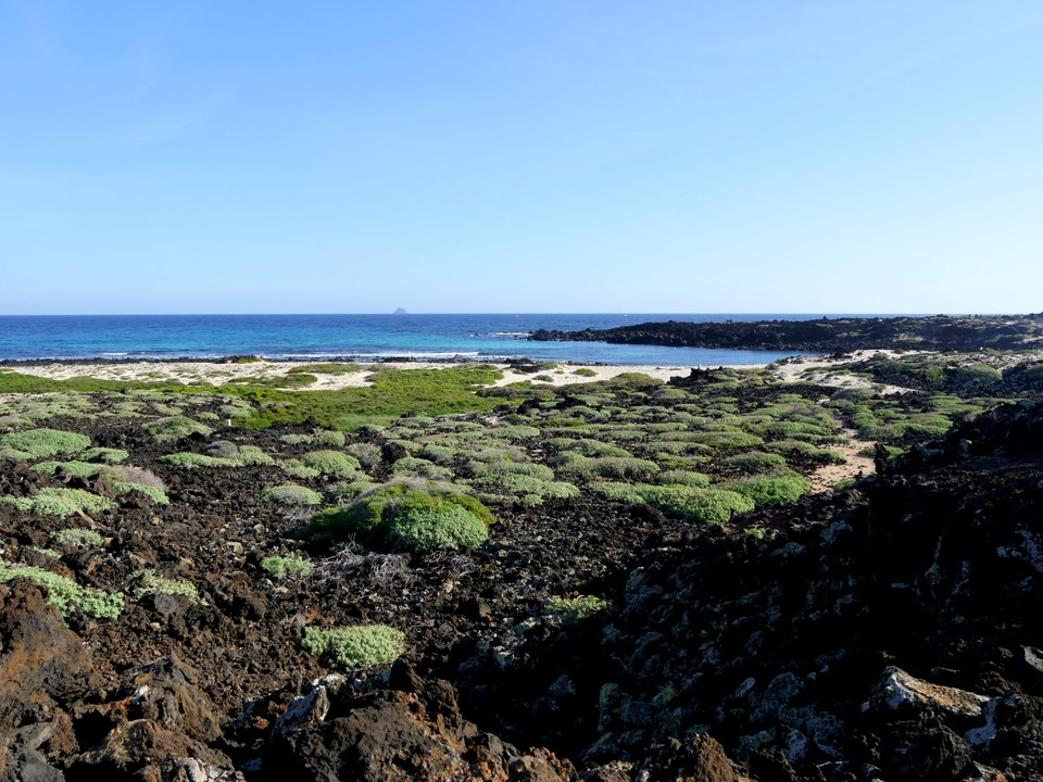 Beaches at the northern tip of Lanzarote, near Orzola